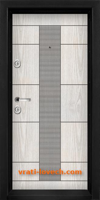 Блиндирана входна врата модел Т 901
